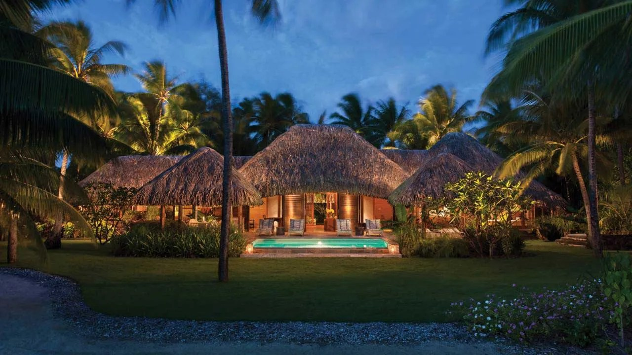 Bora Bora  una Villa Privata al Four Seasons Resort  FYHWL