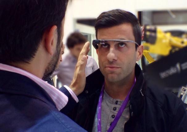 Probando las Google Glass en la BIEMH2014