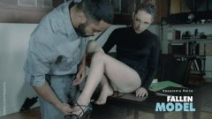 Filme porno 2016 cu Kassondra Raine Fallen Model HD