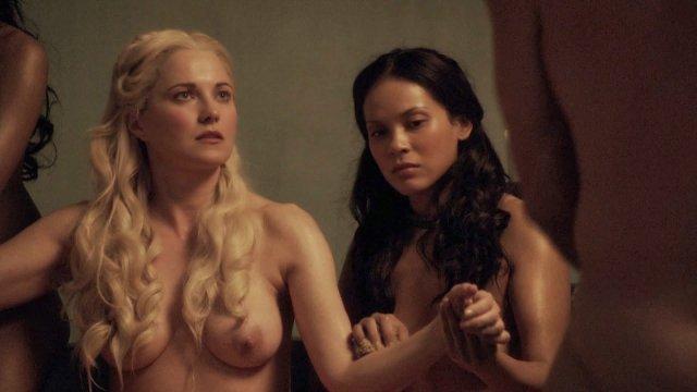 Top 10 scene de sex din serialul Spartacus un porno bun . 6
