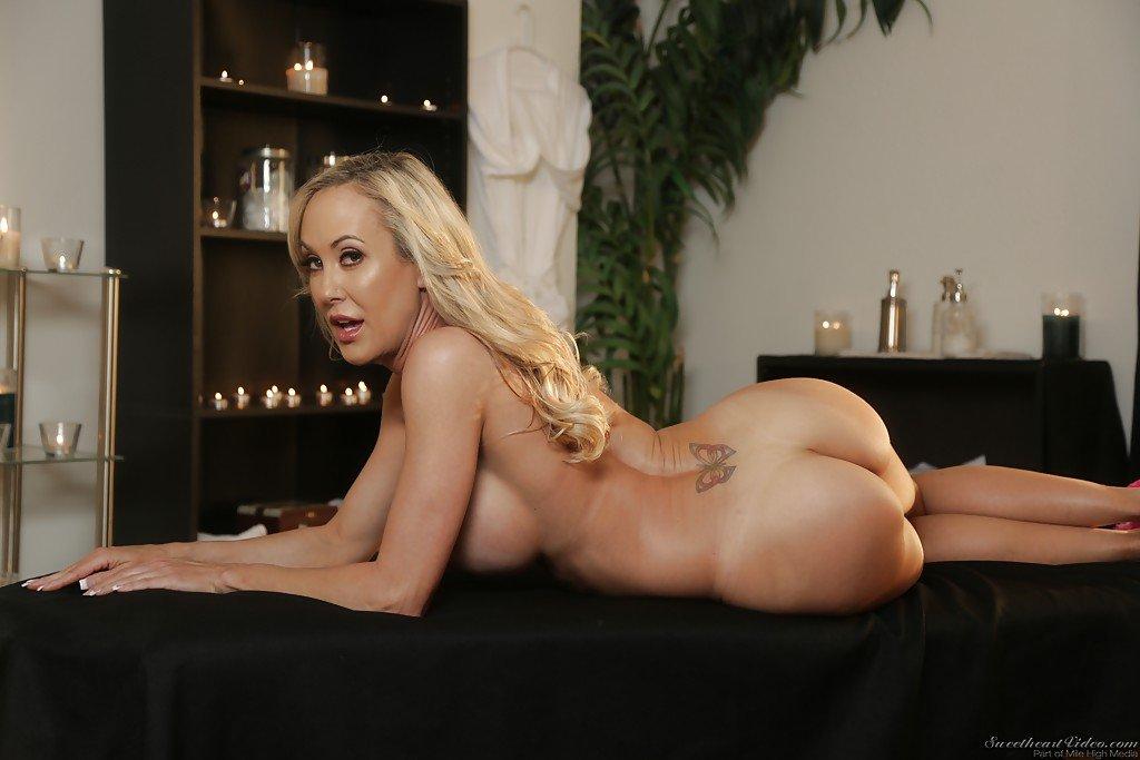 Top 10 cele mai sexy porno staruri blonde in porno acum . 1
