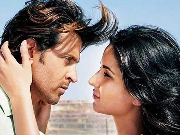 Hrithik & Katrina lock lips in Bang Bang