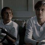 Brady Corbet e Michael Pitt  sono l'educato e sadico  duo