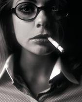 Georgina Verbaan - smoking sexy
