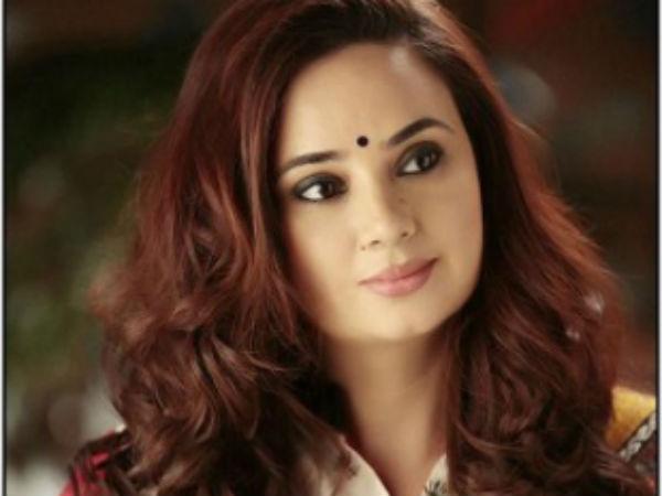 Jhanvi Kapoors OnScreen Mom  Swaragini Actress Shalini