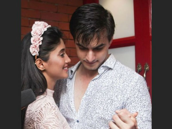 Hina Khan Husband Kissing