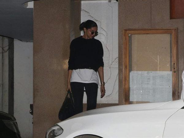 Deepika Padukone Gets Papped