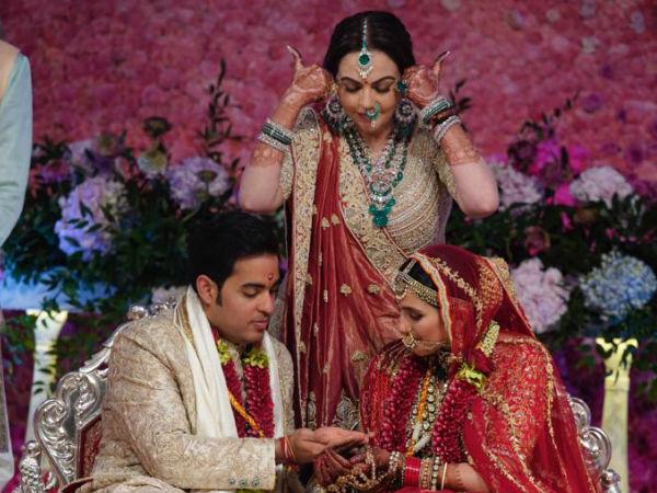 Nita Ambani Removes 'Buri Nazar' As The Couple Exchange Rings