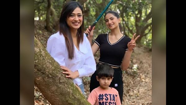 Shweta Tiwari's Daughter Calls Her The 'Best Parent' Amidst Her Row With Estranged Husband Abhinav Kohli