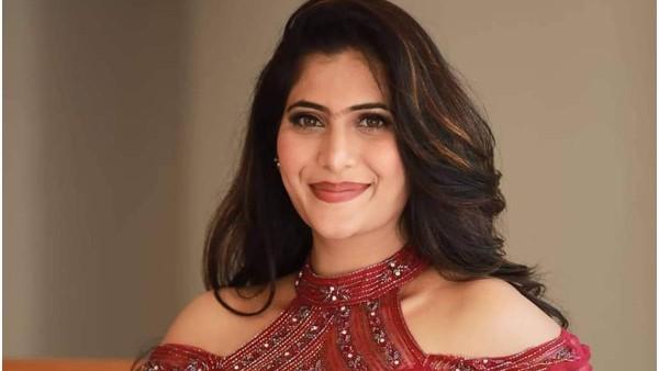 नेहा सक्सेना ने खुलासा किया कि एक तमिल फिल्म के सेट पर उनके साथ मारपीट की गई थी, निर्देशक और उनके अभिनेता-बेटे ने उन्हें चेतावनी दी थी
