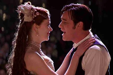 Why People Love To Hate MOULIN ROUGE!