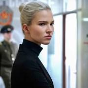 آنا: یک هیجان انگیز جاسوسی خالی و درگیر