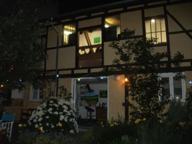 Ein lauschiger Sommerabend im Hinterhaus-Atelier Schwandorfer Str. 1, Regensburg