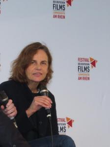 """Corinna Belz beim Gespräch über ihre Dokumentation """"Peter Handke – Bin im Wald. Kann sein, daß ich mich verspäte"""""""