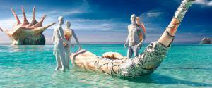 Die Pearls auf ihrem Heimatplaneten beim Perlenfischen.