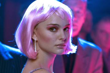 still-of-natalie-portman-in-closer-(2004)