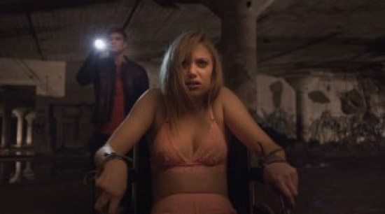 It_Follows-pesimdeki-seytan-filmloverss