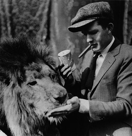 mgm-logo-director-bill-watson-with-mgm-leo-jackie-filmloverss