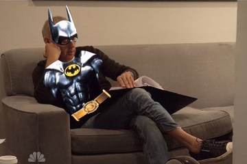 michael-keaton-batman-banner-saturday-night-live-filmloverss
