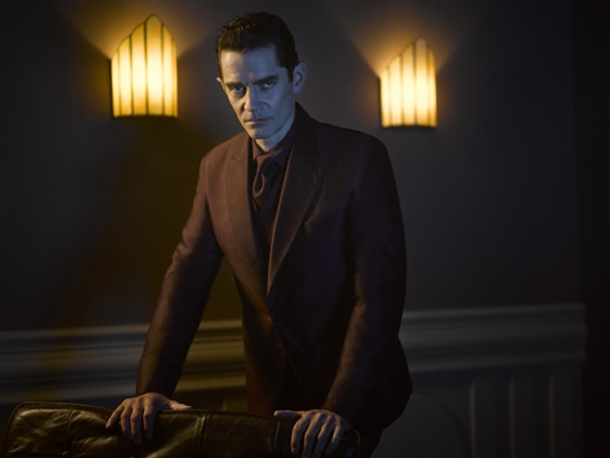 Gotham-Season-2-James-Frain-Theo-Galavan-Filmloverss