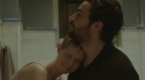 cynthia-nixon-and-christopher-abbott-in-james-white-filmloverss