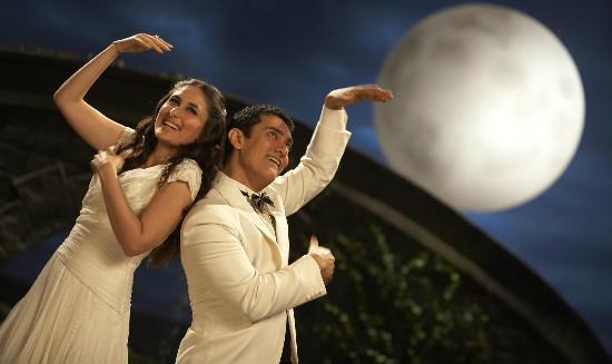 3-idiots-kareena-kapoor-and-aamir-khan-filmloverss
