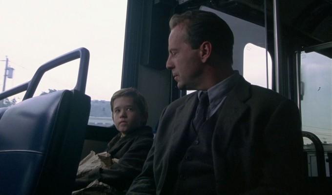 the-sixth-sense-bus-filmloverss