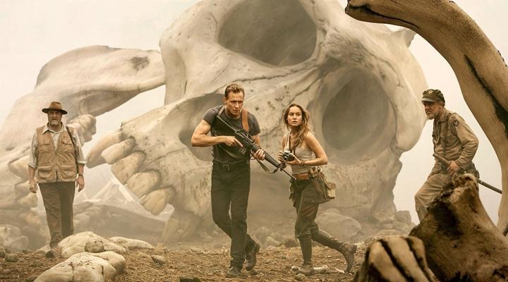 tom-hiddleston-brie-larson-i-bir-araya-getiren-kong-skull-island-dan-ilk-fragman-filmloverss