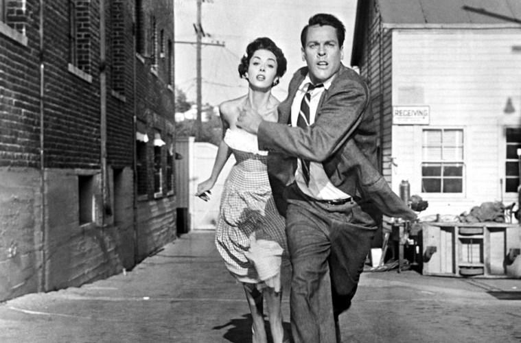 bodysnatchers 1956 review