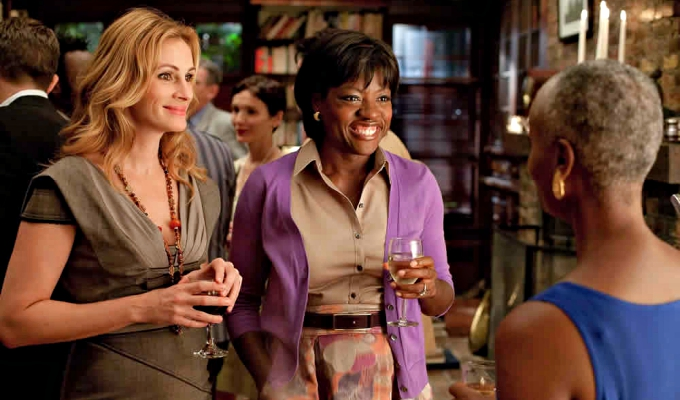 viola-davis-ve-julia-roberts-dram-filmi-small-great-thingste-birlikte-yer-alacak-filmloverss2