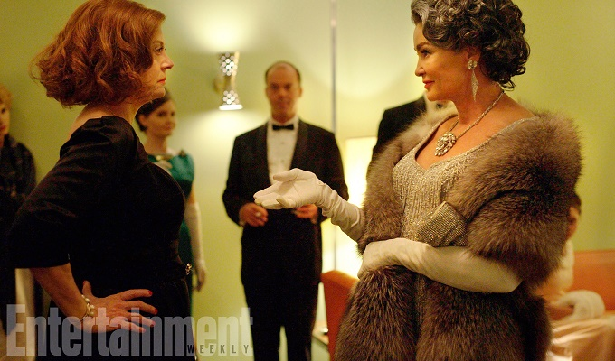 FEUD 2017 (l-r) Susan Sarandon as Bette Davis, Jessica Lange as Joan Crawford