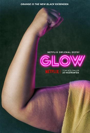 yeni-netflix-dizisi-glow-dan-tanitim-videosu-karakter-posterleri-yayinlandi-001-filmloverss