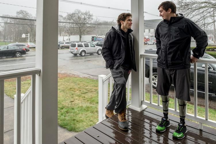 jake-gyllenhaal-un-basrolu-ustlendigi-stronger-dan-dikkat-cekici-bir-fragman-yayinlandi-filmloverss