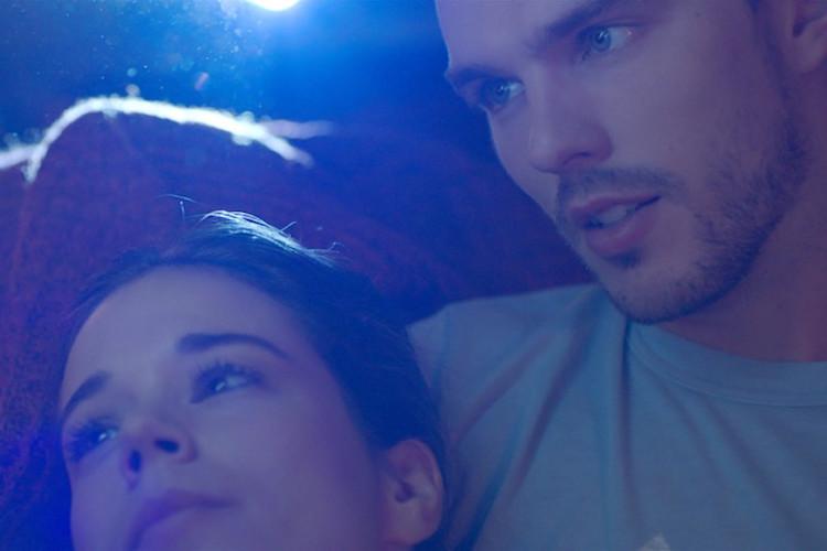 nicholas-houltun-basrolünde-oldugu-newnesstan-merak-uyandıran-bir-fragman-yayınlandı-2-filmloverss
