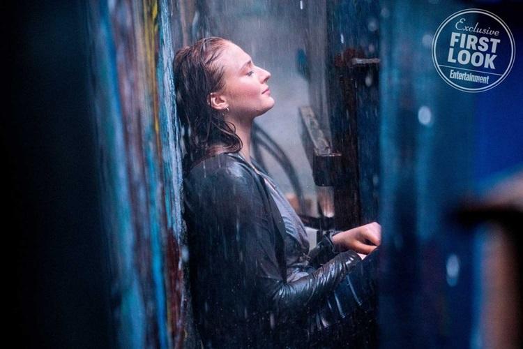 Jean-Grey-Is-At-War-With-Herself-X-Men-Dark-Phoenix-Sophie-Turner-FilmLoverss