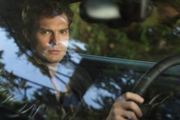 first-official-photo-of-jamie-dornan-in-fifty-shades-of-grey