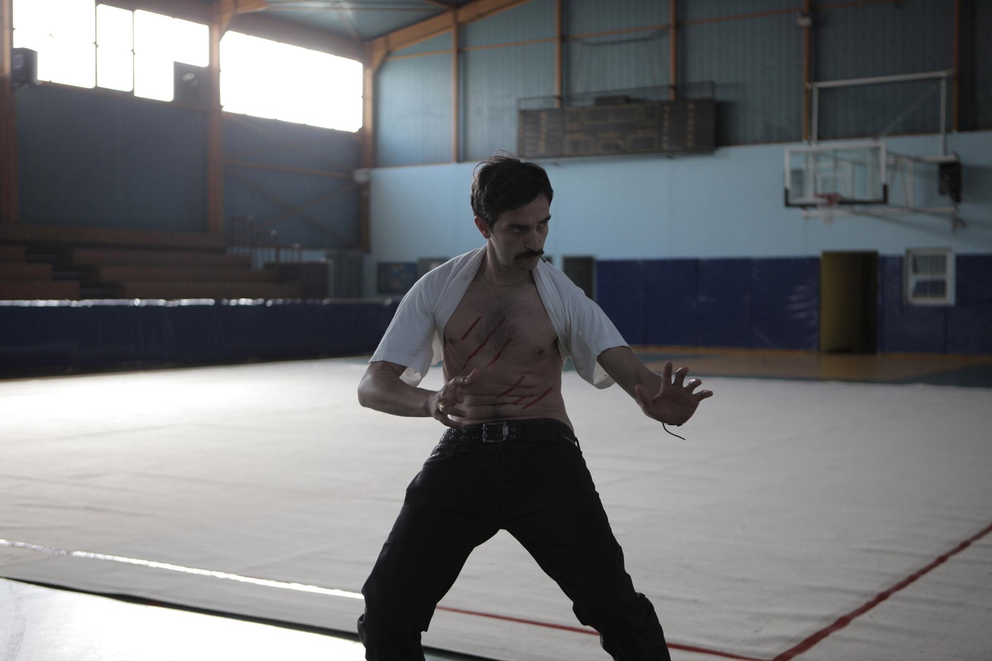 https://i0.wp.com/www.filmofilia.com/wp-content/uploads/2011/08/Yorgos-Lanthimos-Alps-Movie-Photo.jpg