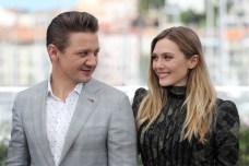 """Elizabeth Olsen & Jeremy Renner at the """"Wind River"""" photocall. (Source: Festival de Cannes)"""