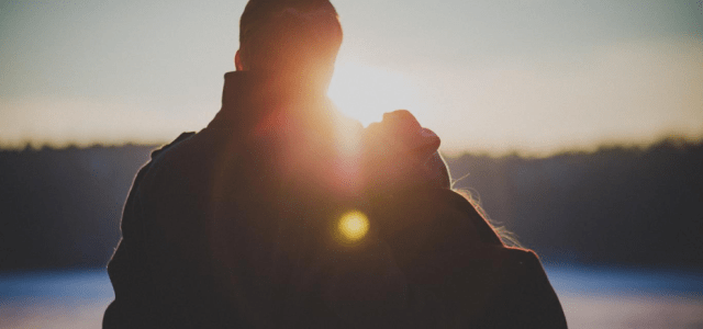 How to Arrange a Romantic Date with Your Husband If the Child Is at Home