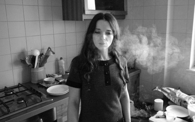 Elena Popa în Autoportretul unei fete cuminți