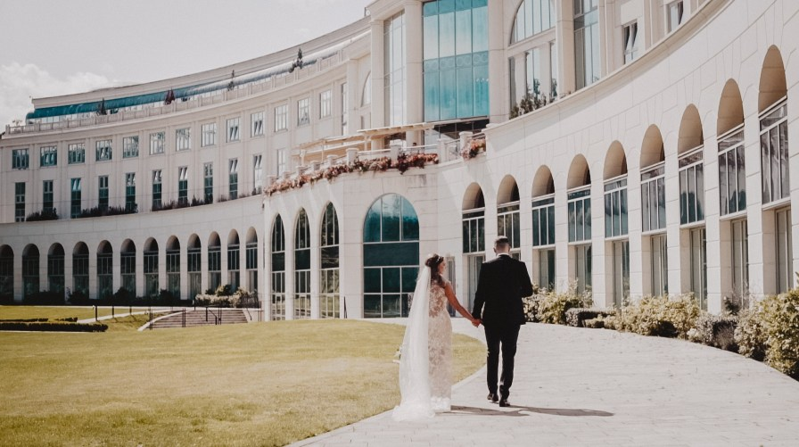 clare-sean-winter-magic-wedding-at-the-wesport-house-2
