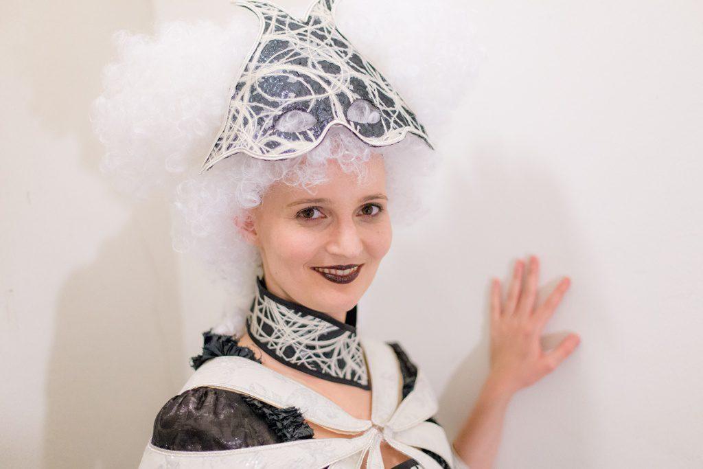 Ein Maskenball - Kostüm