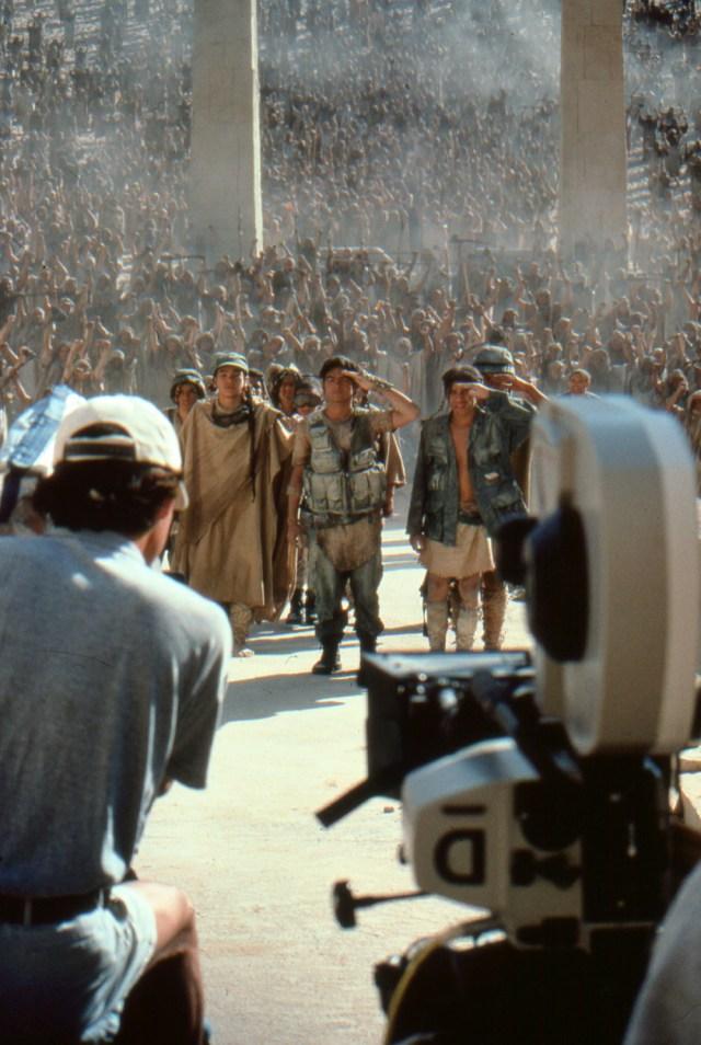 Stargate_006_crew shoots_1000x @72