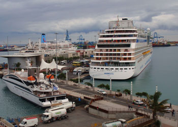 Angielski z newsów: Five dead on Canary Islands cruise ship
