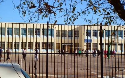 Άδειες εισόδου σε Γυμνάσια και Λύκεια μέχρι τη λήξη των μαθημάτων