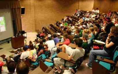"""Συνάντηση Λομβέρδου-πρυτάνεων για τους """"αιώνιους"""" φοιτητές"""