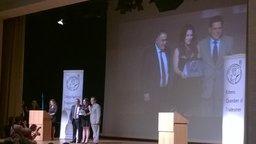 Ο Υφυπουργός Παιδείας Αλέξανδρος Δερμεντζόπουλος βράβευσε την πρώτη των πρώτων φοιτήτρια Κατερίνα Μισθού