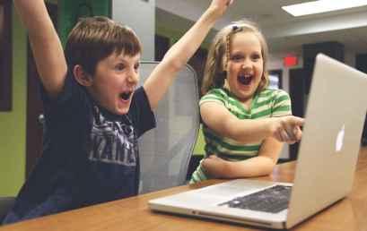 Γιατι τα παιδιά θέλουν να μάθουν τον κόσμο ολόκληρο κάνοντας ένα κλικ.