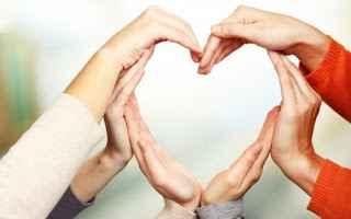 Τα χέρια που δίνουν είναι ιερότερα απ' τα χέρια που σταυροκοπιούνται!
