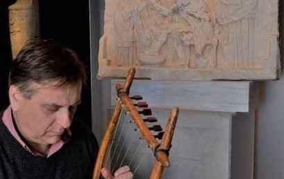 Μια διαφορετική ανάγνωση της Οδύσσειας, με συνοδεία αρχαίας λύρας